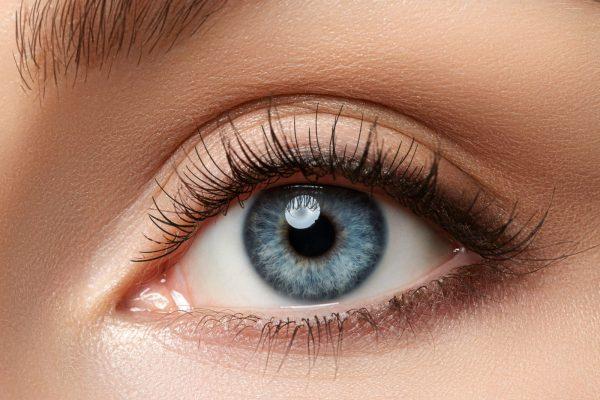 Kontaktlinse, blaue Augen, farbige Kontaklinse